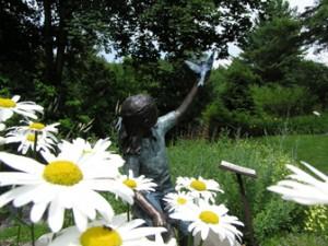 http://www.nhkidventures.com/wp-content/uploads/2014/03/kirkwood-gardens-statue-wpcf_300x225.jpg